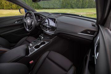 2020-Cadillac-CT4-V-012