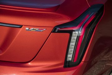 2020-Cadillac-CT5-V-006