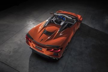 2020-Chevrolet-Corvette-Stingray-Convertible-001