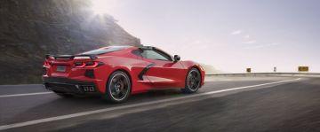 2020-Chevrolet-Corvette-Stingray-001