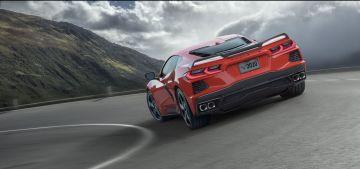 2020-Chevrolet-Corvette-Stingray-003