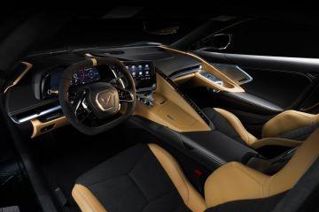 2020-Chevrolet-Corvette-Stingray-025