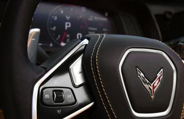 2020-Chevrolet-Corvette-Stingray-027