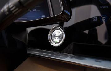 2020-Chevrolet-Corvette-Stingray-029