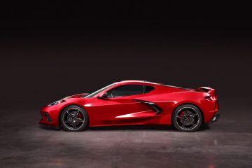 2020-Chevrolet-Corvette-Stingray-043