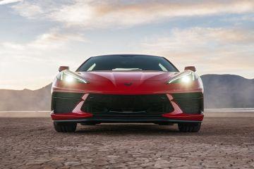 2020-Chevrolet-Corvette-Stingray-205