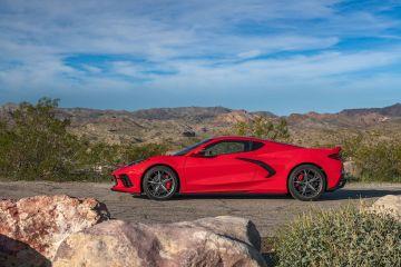 2020-Chevrolet-Corvette-Stingray-212