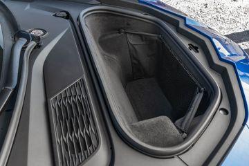 2020-Chevrolet-Corvette-Stingray-214