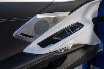 2020-Chevrolet-Corvette-Stingray-217