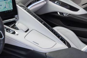 2020-Chevrolet-Corvette-Stingray-219