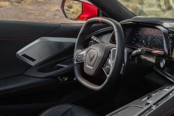 2020-Chevrolet-Corvette-Stingray-226