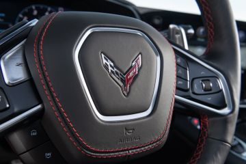 2020-Chevrolet-Corvette-Stingray-230