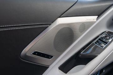 2020-Chevrolet-Corvette-Stingray-231