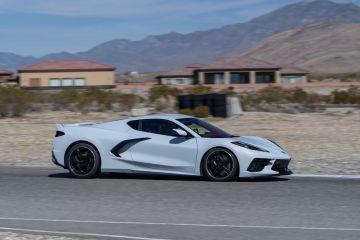 2020-Chevrolet-Corvette-Stingray-252