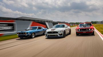 2021-ford-mustang-mach-1_11