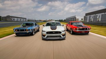 2021-ford-mustang-mach-1_12
