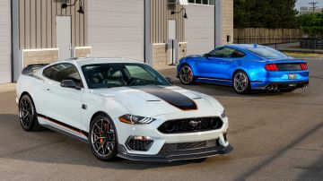 2021-ford-mustang-mach-1_2
