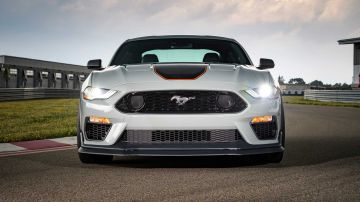 2021-ford-mustang-mach-1_25