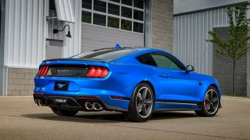 2021-ford-mustang-mach-1_7