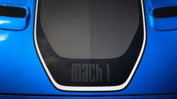 2021-ford-mustang-mach-1_8