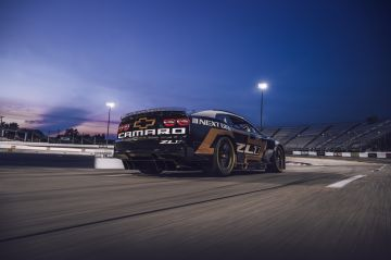 Chevrolet-Camaro-ZL1-RaceCar-004