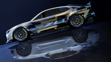 Chevrolet-Camaro-ZL1-RaceCar-007